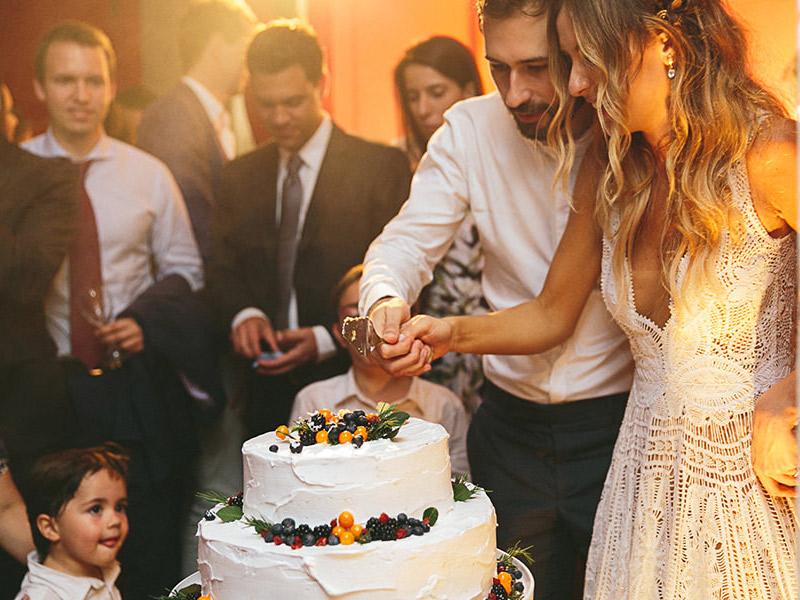 Bolo de casamento como cortar