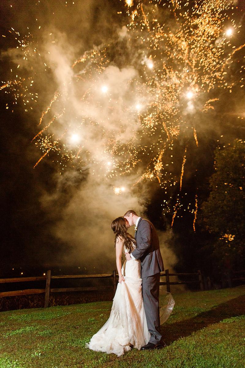 Como ter fogos de artifício no casamento segurança