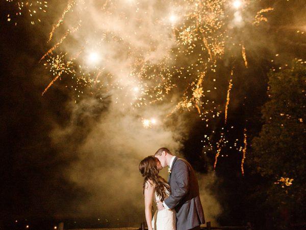 Como ter um show de fogos de artifício no casamento