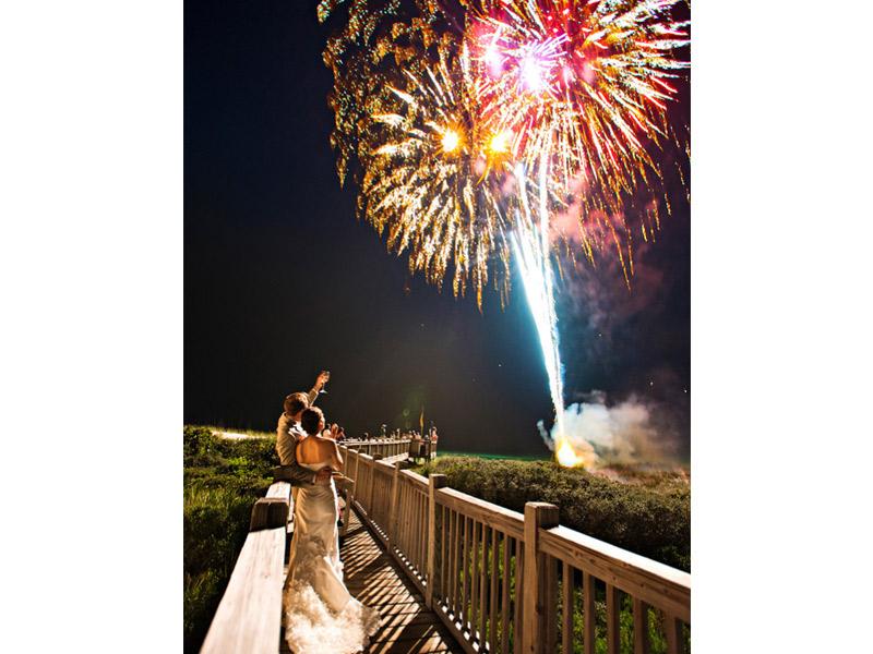 Fogos de artifício no casamento clássico