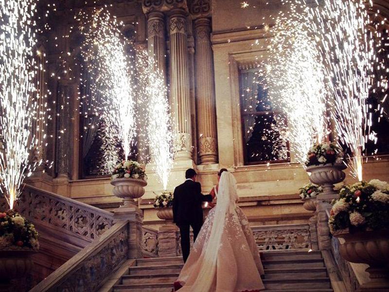 Fogos de artifício no casamento piromusical
