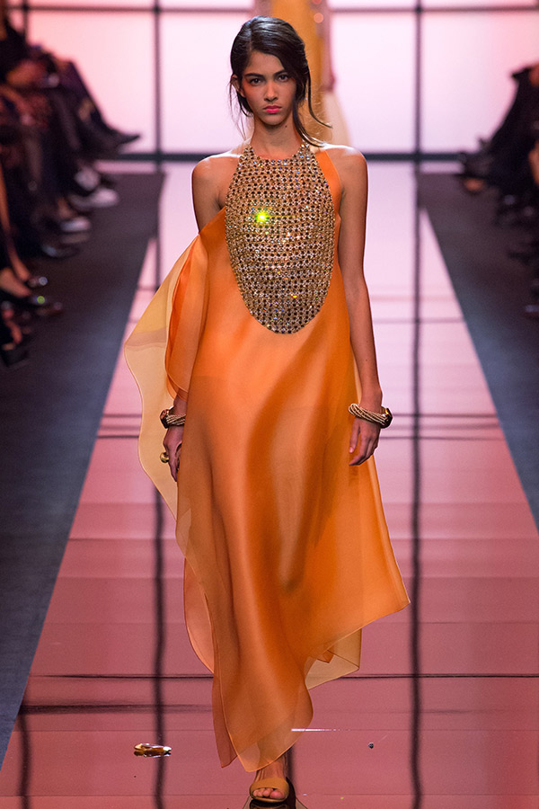 Moda Alta Costura francesa Primavera 2017 cores intensas