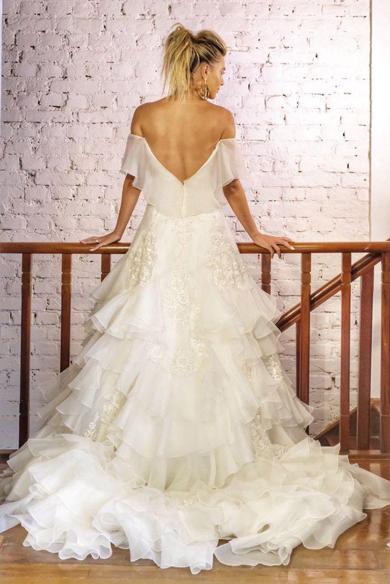 Noiva vestido Inauguração Carol Hungria vestido decote nas costas