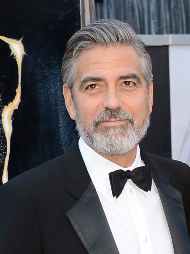 Barba do noivo George Clooney
