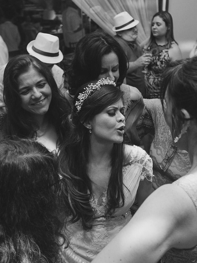 Casamento real Juliana e André madrinhas dançando