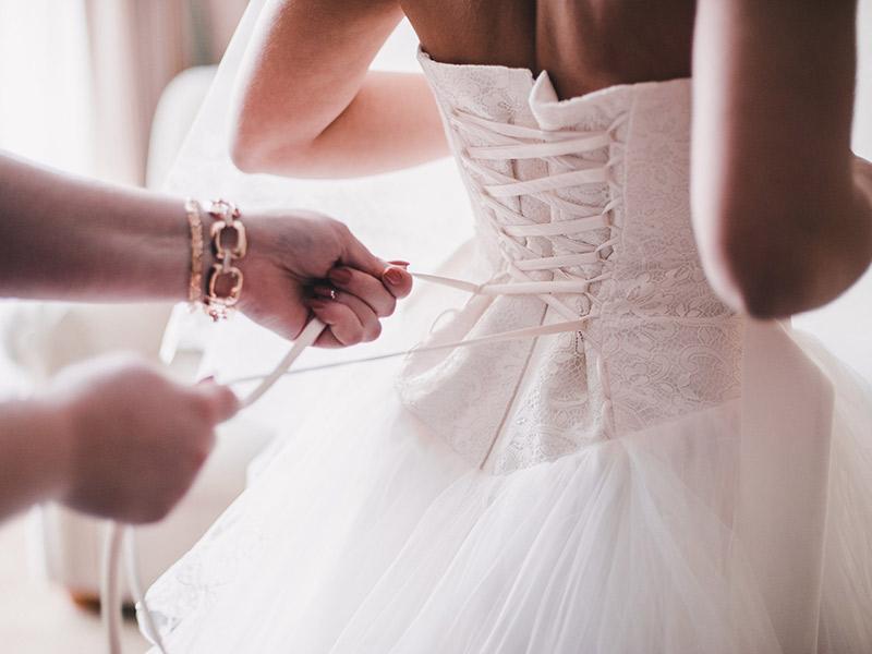 Erros mais comuns na hora de encomendar o vestido de noiva conforto