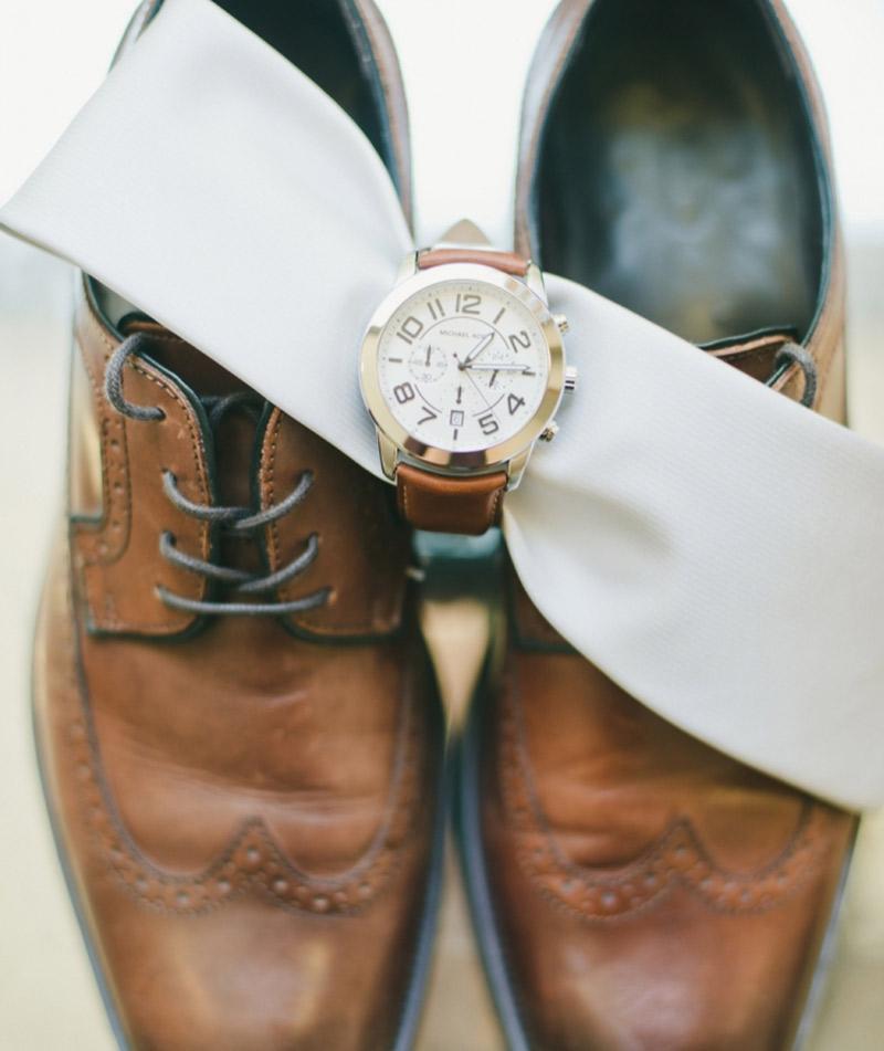 Acessórios dos noivos o que pode ou não usar casamento relógio