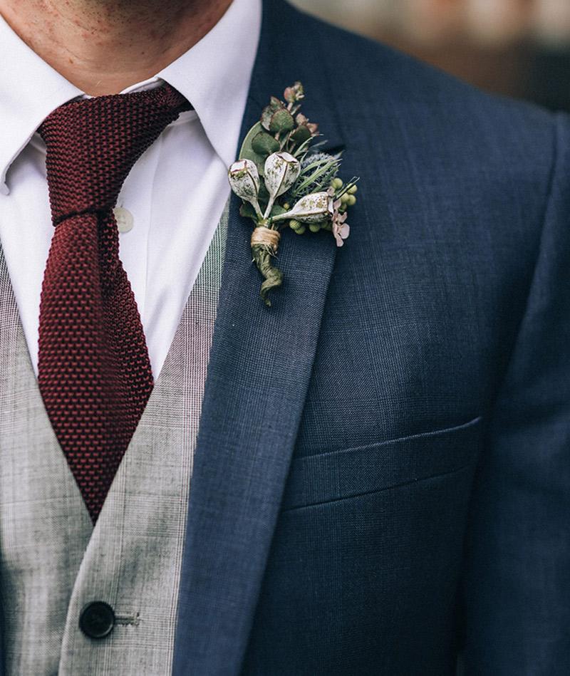 Noivos o que pode ou não usar no casamento lapela