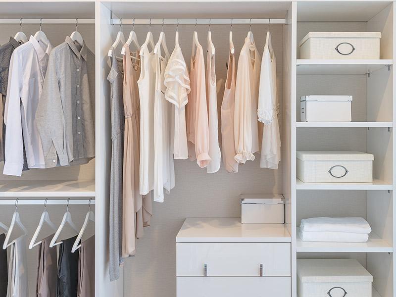 Como dividir o armário com o noivo organização