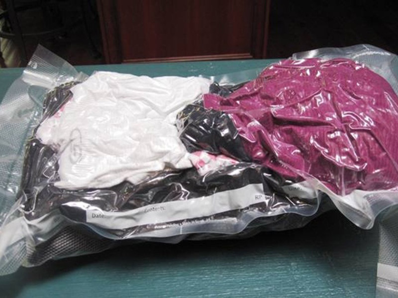 Como dividir o armário com o noivo roupas à vácuo
