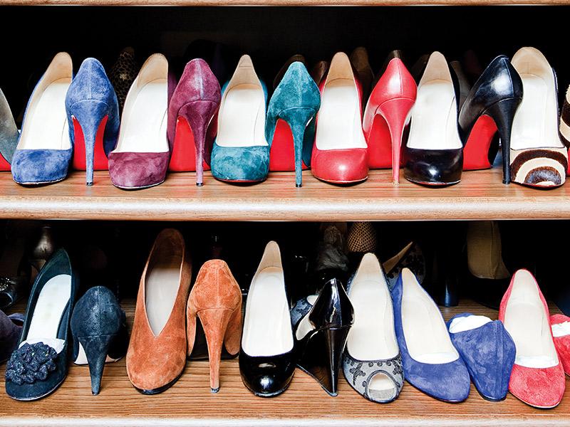 Como dividir o armário com o noivo sapatos