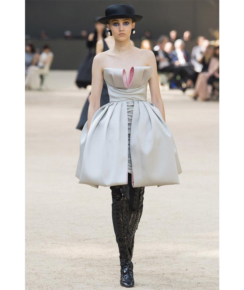 Desfile Alta Costura de Paris para o Outono Inverno 2017 delicadeza pastel