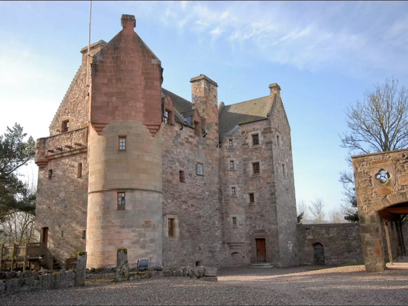 Destination wedding airbnb internacional Dairsie Castle