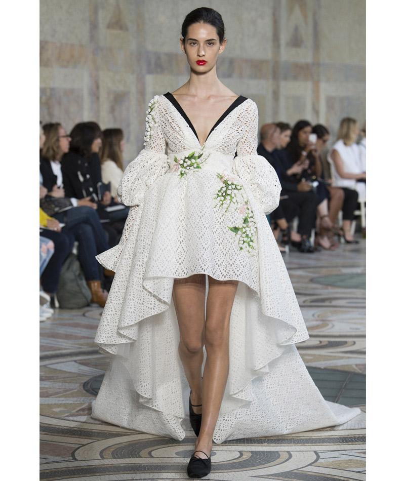 Vestidos de noiva surpreendes buquê