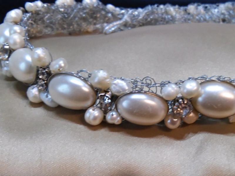 Acessórios da noiva tiara de cabochon de pérolas com strass Bella Golzer