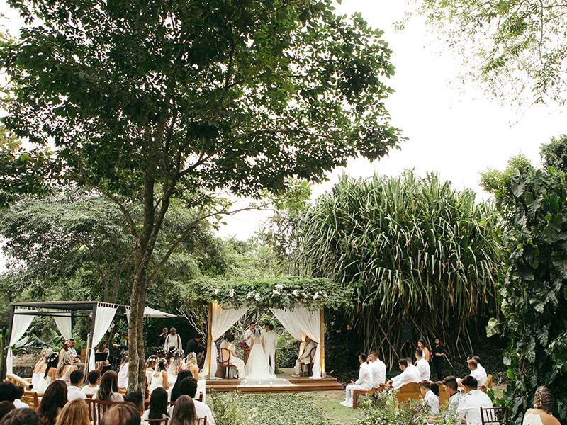 Como organizar a nave e altar da cerimônia