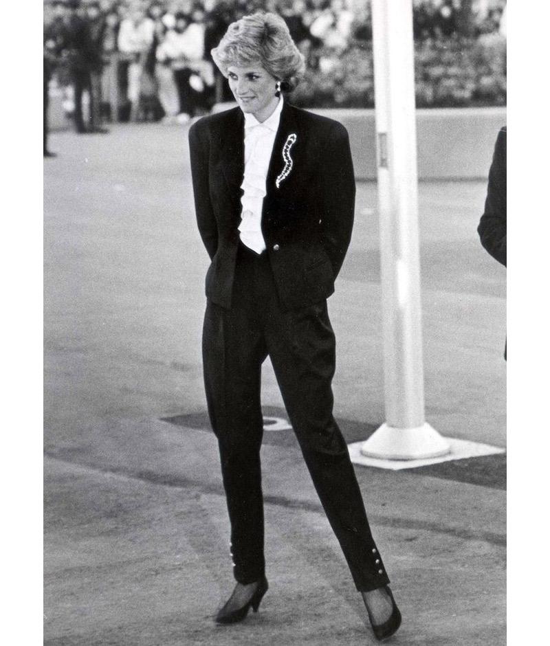 Princesa Diana de calça em evento social