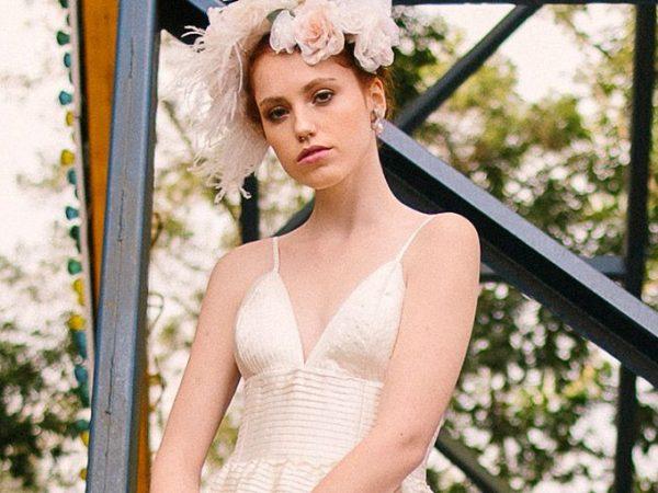 Vestido de noiva e acessórios Mariana Biasi