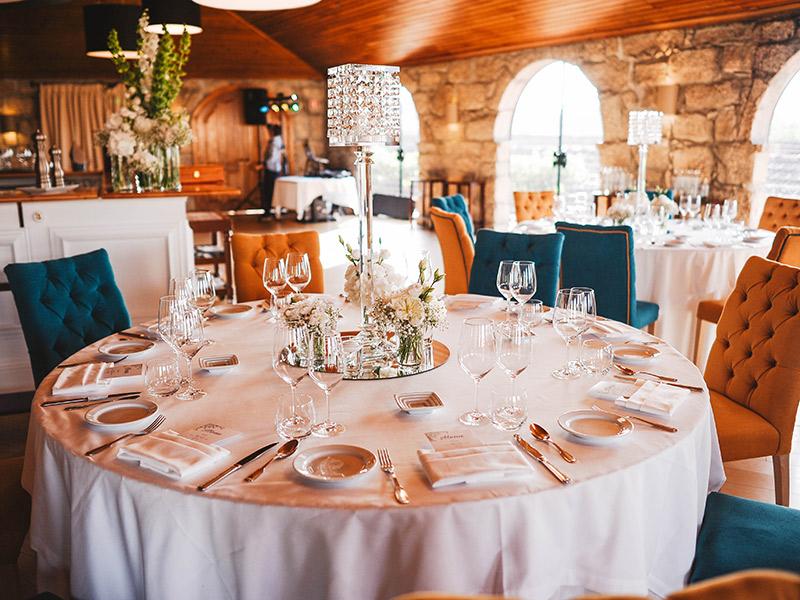 Casamento em Portugal mesa com decoração da festa