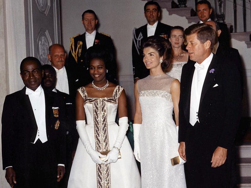 Trajes de casamento white tie presidente John F. Kennedy, esposa e convidados