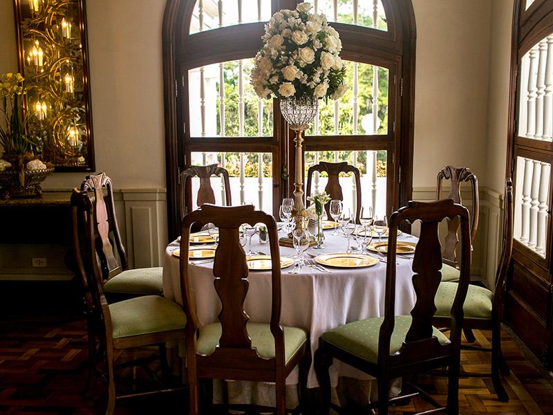 Casamento ao ar livre de Ana e Tassir decoração da mesa