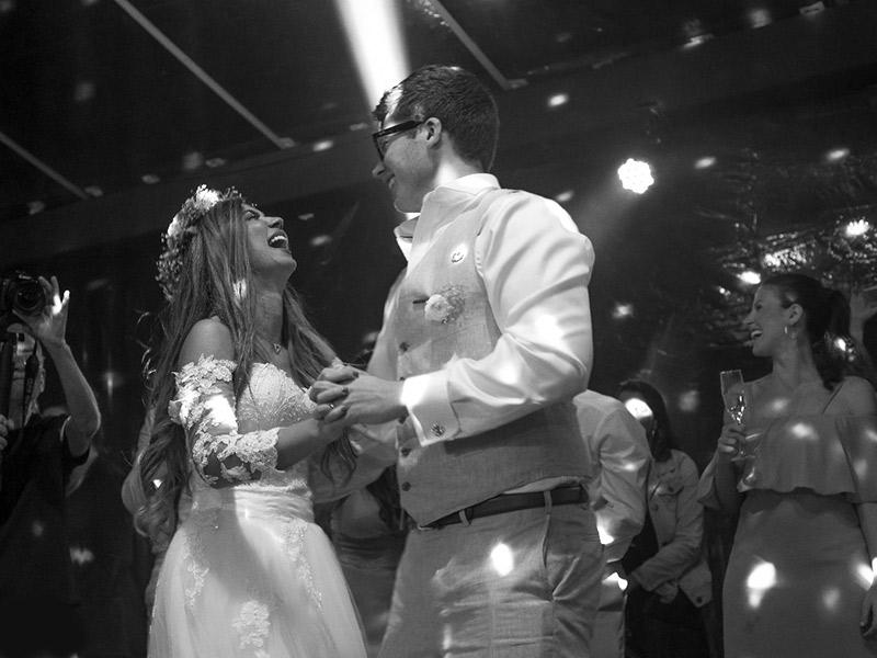 Casamento em Trancoso dançando na festa