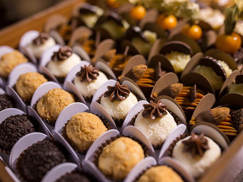 Decoração de mesa de doces quantidade de docinhos