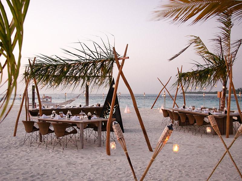 Organização de casamento decoração na praia