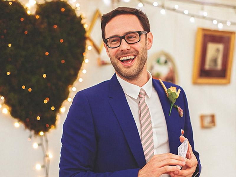Roupa de noivo como usar óculos