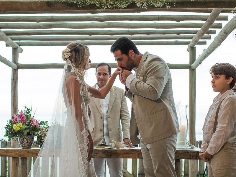 casamento na praia noivo