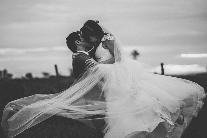 vestido de noiva usado site Enjoei