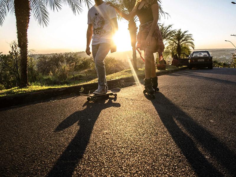 Casamento DIY Tafate e Wellington com patins e skate