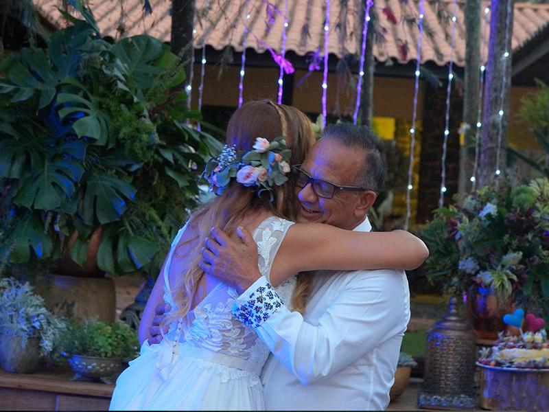 Casamento DIY noiva com pai na festa