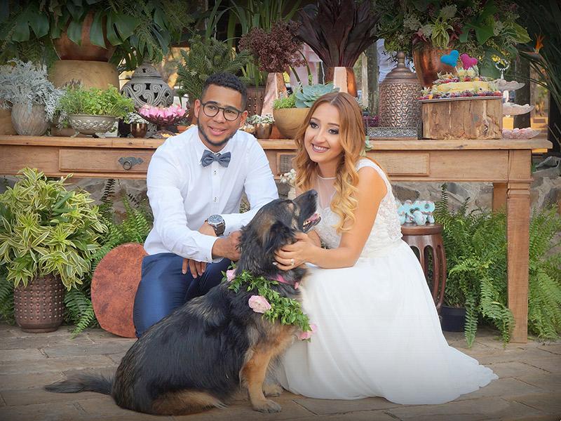 Casamento DIY noivos com cão