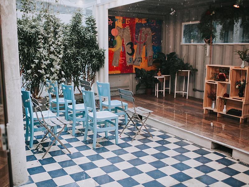 Casamento boho chic decoração altar e cadeiras