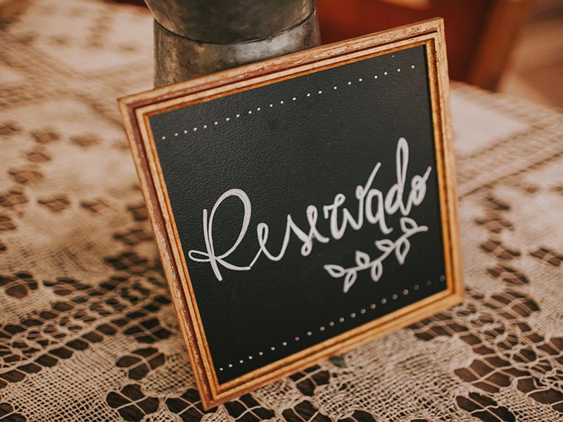 Casamento boho chic decoração placa de reservado