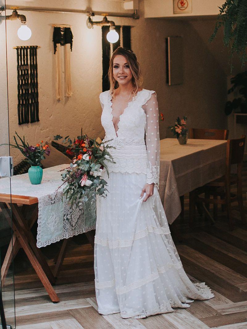 Casamento boho chic vestido da noiva com renda e transparência