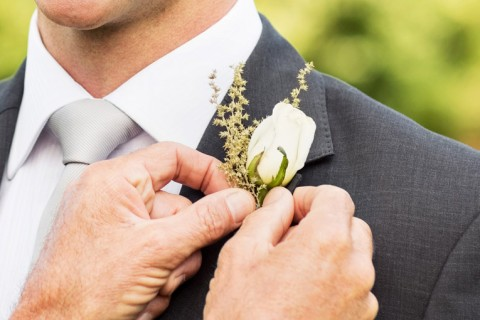 Flor de lapela quais modelos o noivo pode usar