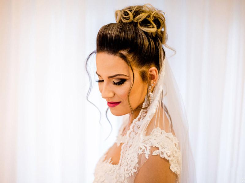 Mini Wedding Natasha noiva pronta de pois da maquiagem