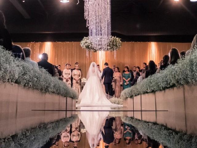 Vestido-de-noiva-casamento-Gabriela-e-Caio-altar-640x480.jpg