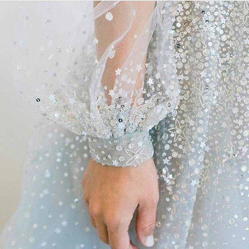 Sonhar com vestido de noiva branco e azul