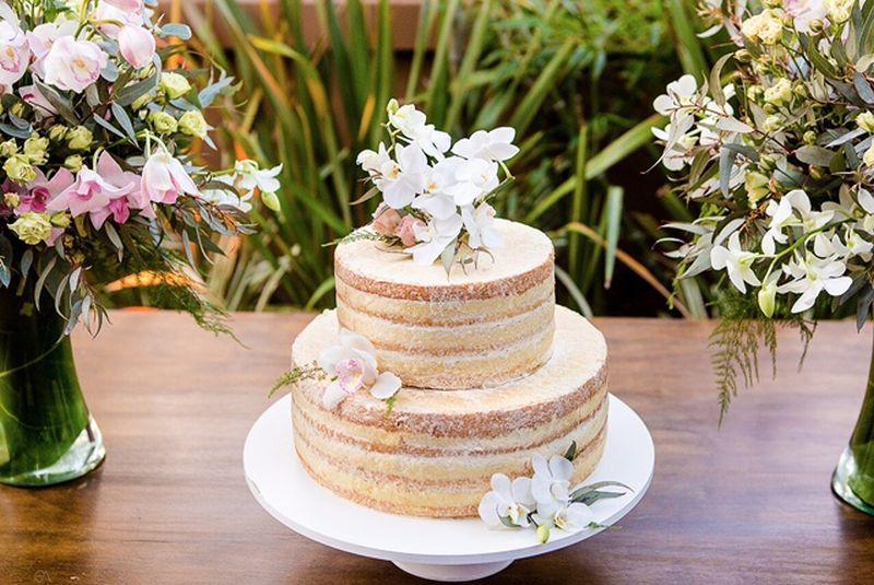 Menosé mais bolo de casamento simples e gostoso para o casamento -> Decoração De Mesa De Bolo Casamento Simples