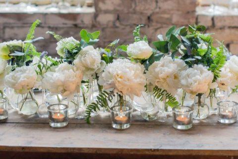 Cinco passos para acertar em cheio na decoração de casamento simples