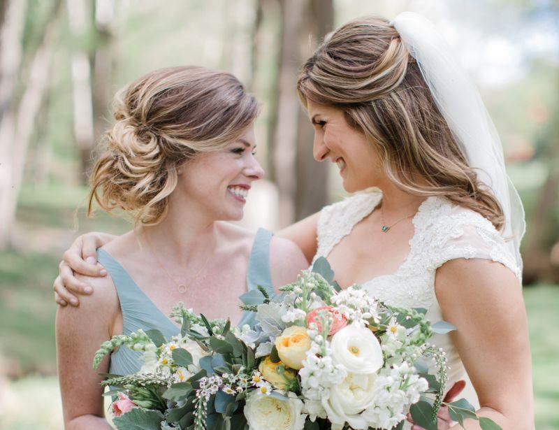 7afde43fa 25 incríveis penteados para madrinha de casamento