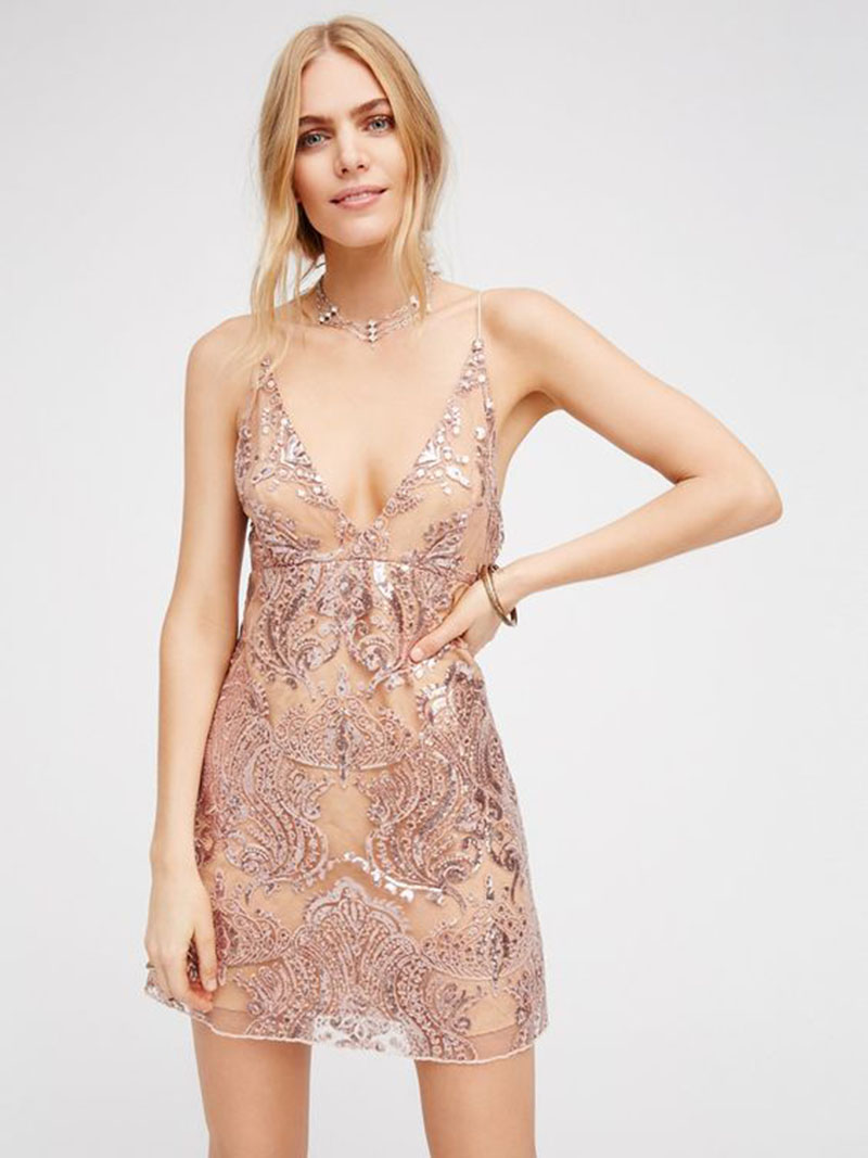 vestido-de-festa-curto-ideias-para-arrasar-no-casamento- vestido brilho
