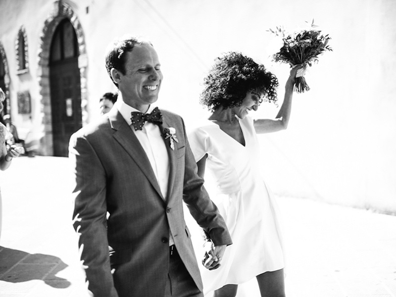 casal-comemora-apos-casamento-civil