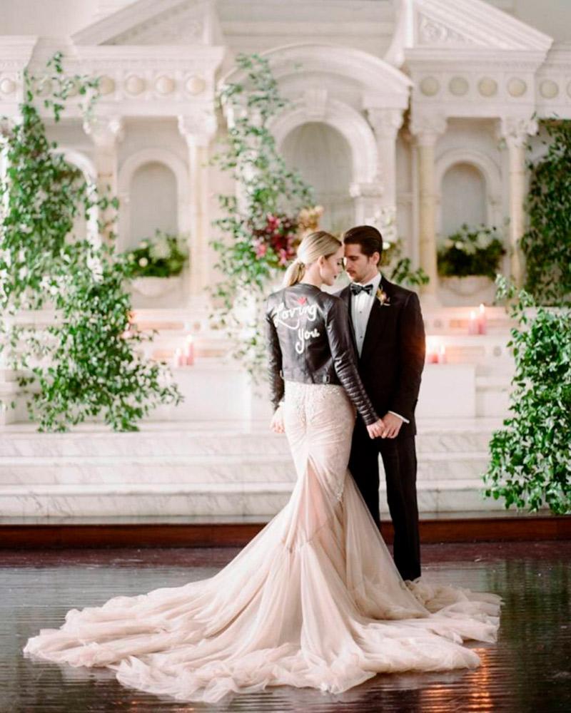 Jaquetas personalizadas para noiva romântica