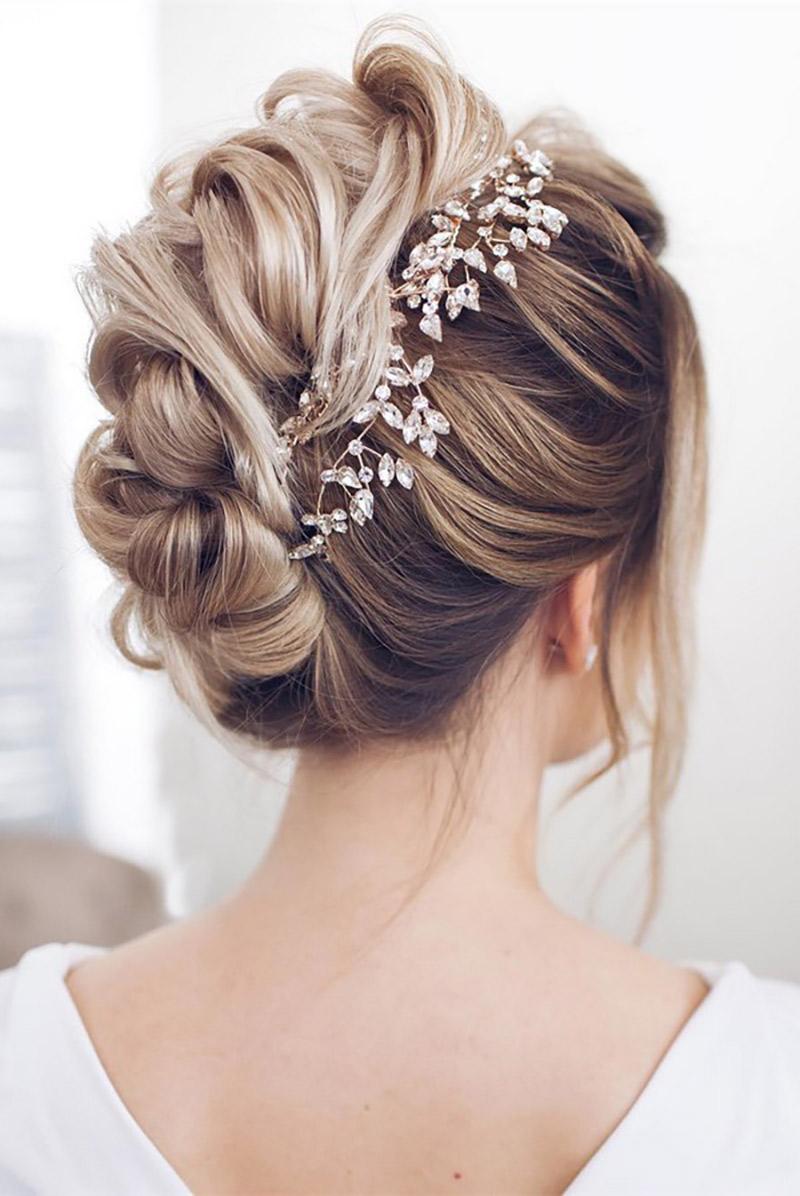 Penteado para noiva qual melhor combina com você