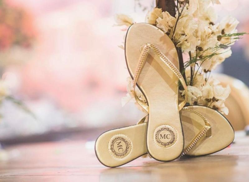 c27820aab 5 dúvidas sobre os chinelos personalizados para casamentos