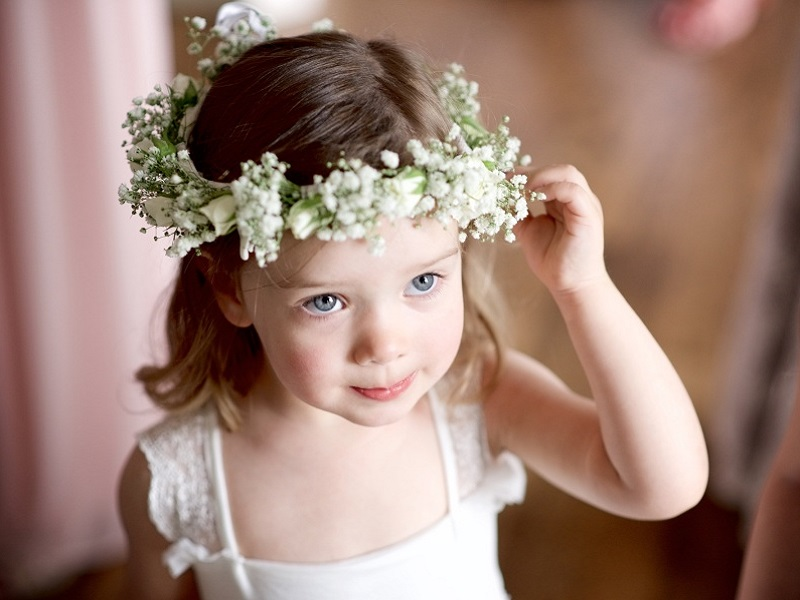 432fa6d034bf7 10 estilos de coroa de flores para daminhas de casamento